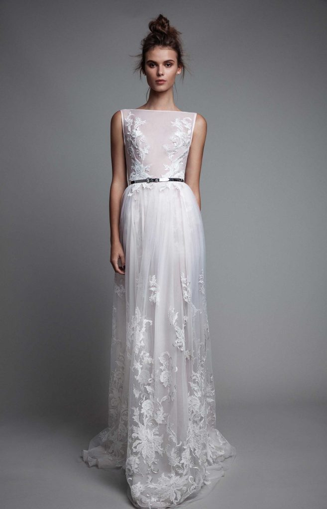 And finally, this piece screams bridal romance. It's got quite the delicate, whimsy appeal don't you think?