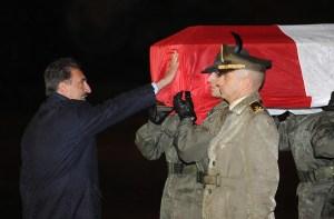 Il saluto del Ministro La Russa al feretro del capitano Massimo Ranzani