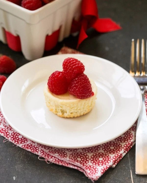 Individual Vanilla Greek Yogurt Cheesecakes