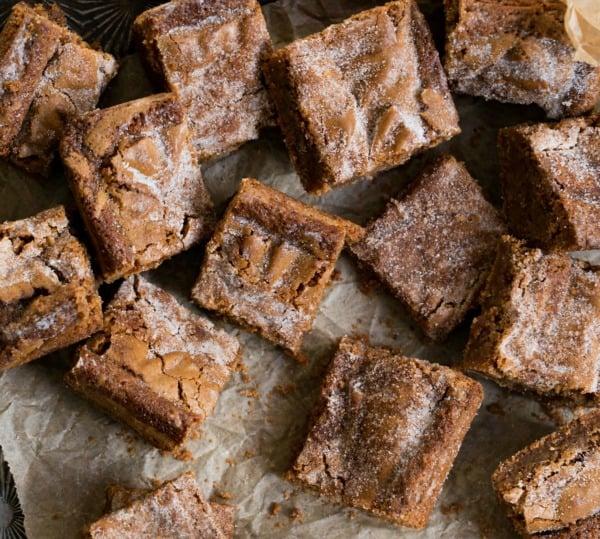Cinnamon Roll Bar Recipe I Heart Eating