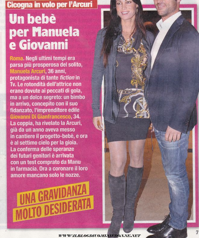 Manuela Arcuri aspetta un figlio da Giovanni di Francesco