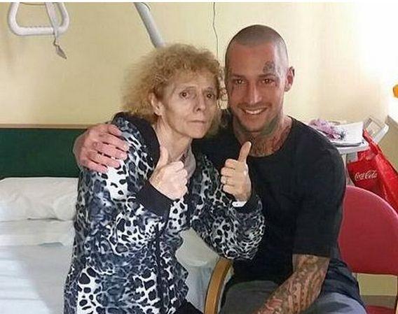 Manuel Vallicella messaggio commovente alla madre malata