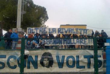 Striscione dei tifosi del San Salvo per il supporter vastese