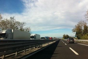 L'Abruzzo chiude le autostrade e monta la protesta dei camionisti