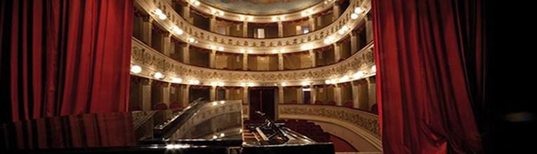 teatro-rossetti-interno
