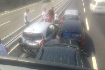 Incidente sull'A14, coinvolte 4 auto e un autobus