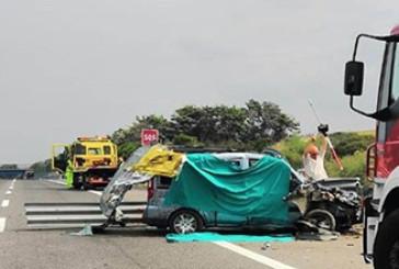 Schianto mortale sull'A14, due morti e due feriti