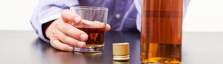 come-riconoscere-un-alcolizzato