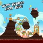 Angry Birds festeggia il compleanno, si aggiorna e sblocca tutti i livelli del gioco