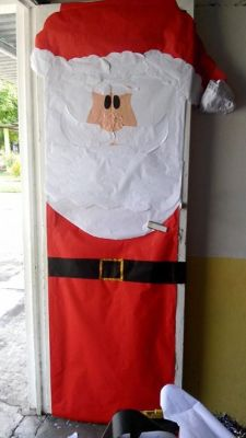 Dise a la puerta de tu clase o sal n vuestras creaciones for Puertas decoradas santa claus