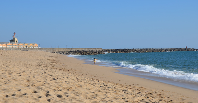 3 Must Visit Beaches in Northern Portugal Póvoa de Varzim beach