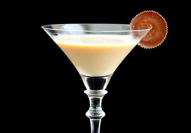 Chocolate Peanut Butter Cup Martini