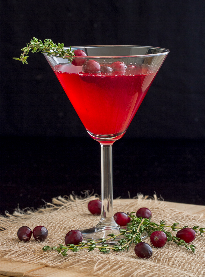 Cranberry thyme cocktail i 39 m bored let 39 s go for Flavored vodka martini recipes