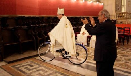 vescovo_bicicletta