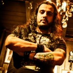 "Leandro Caçoilo: vocalista divulga vídeo cantando ""The Mob Rules"" do Black Sabbath"