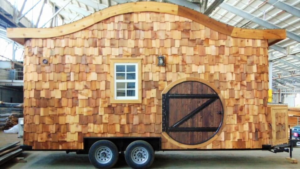 Hobbit House on Wheels   Incredible Tiny Homes Hobbit House on Wheels