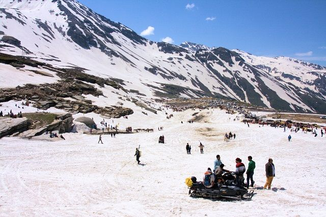 Rohtang Pass: Best Places to visit in Kullu Manali