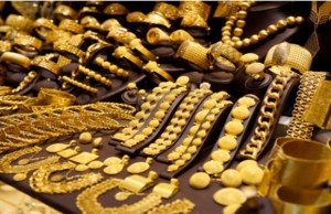 Gold, silver extend gains on global cues, jewellers buying