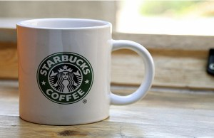 Starbucks to promote cashless economy, plans to introduce Teavana next quarter
