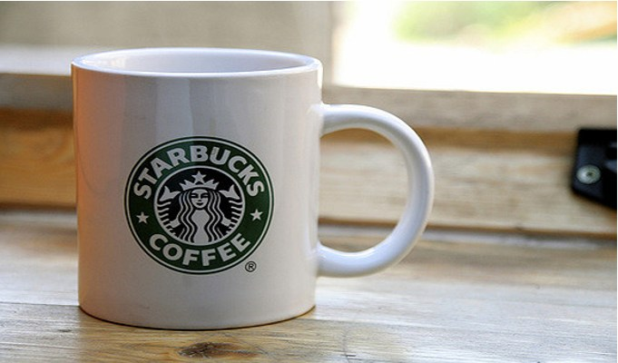 Starbucks CEO Howard Schultz steps down to focus on high-end coffee