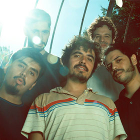 Ases Falsos en Club Wave