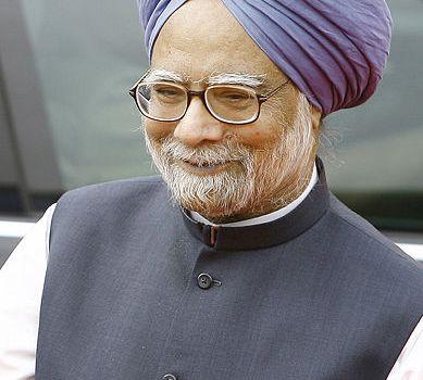 Elezioni indiane: il premier Manmohan Singh in sala operatoria, il testimone passa a Rahul Gandhi