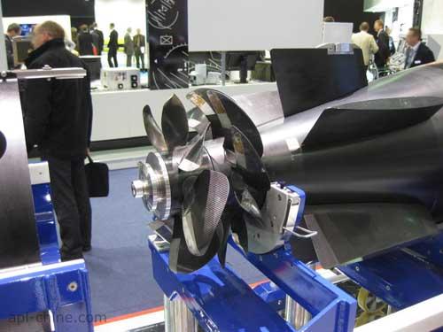 Dibekali dual propeller.