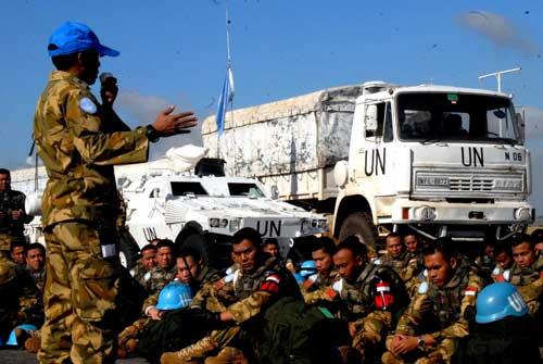 LIAZ 251 Marinir saat memperkuat Indo Batalyon UNIFIL di Lebanon.