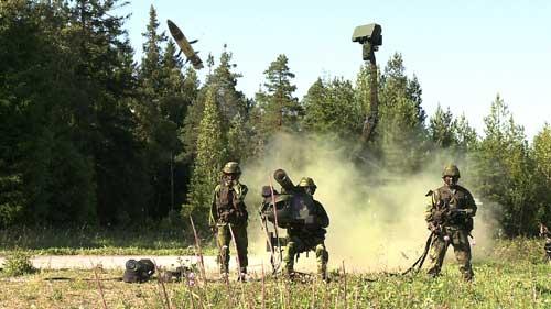 Perpaduan Giraffe AMB dengan rudal RBS-70 NG.