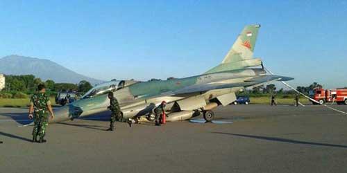 Sebuah kecelakaan F-16A di lanud Iswahjudi.