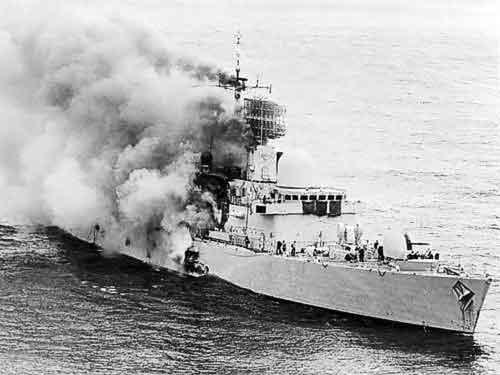 HMS Sheffield korban hantaman AM-39 Exocet Argentina.