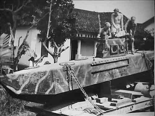 Kapal selam Ginangan disita Belanda dan dibawa ke Semarang.