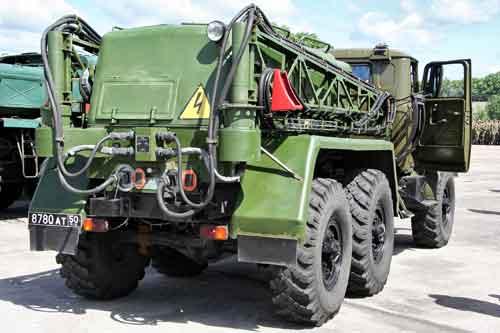 Airfield_starter_unit_APA-5D_-_rear