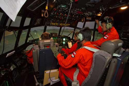 Suasana di kokpit simulator C-130H Hercules TNI AU.