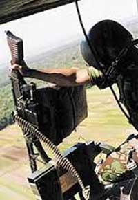 FN MAG sebagai door gun di helikopter Bell 205/NBell-412 TNI AD.