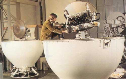 signaals-wm-20-fcs-radar-housings-from-military-technology-magazine-1982
