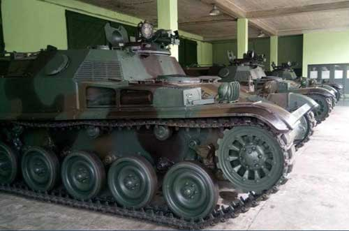 Posisi exhaust yang terbuka pada AMX-13 VCI versi orisinil.