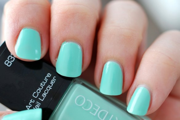 Nail-of-the-day-Artdeco-couture-spearmint-essie-mint-candy-apple-dupe