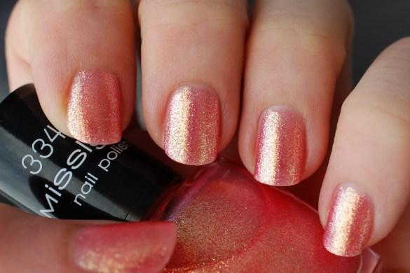Nail-of-the-Day-Misslyn-Galagy-Nails-Venus