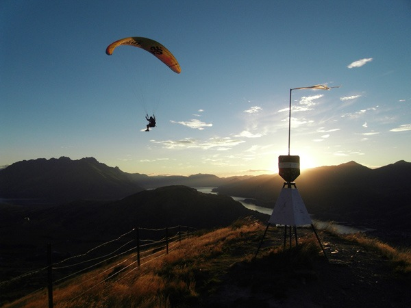 Learn to Paraglide in Queenstown with Infinity 2
