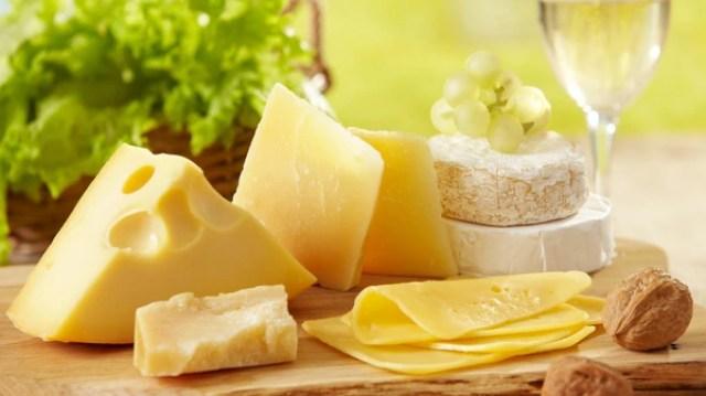 El estudio relaciona directamente a la cantidad de queso diario con las enfermedades cardiovasculares (Getty Images)