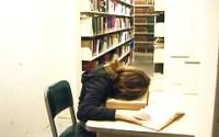 aburrido_biblioteca