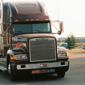 truck3.jpg (100 KB)