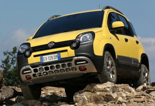 test fiat panda cross 4x4 2015 recensione prova motore. Black Bedroom Furniture Sets. Home Design Ideas