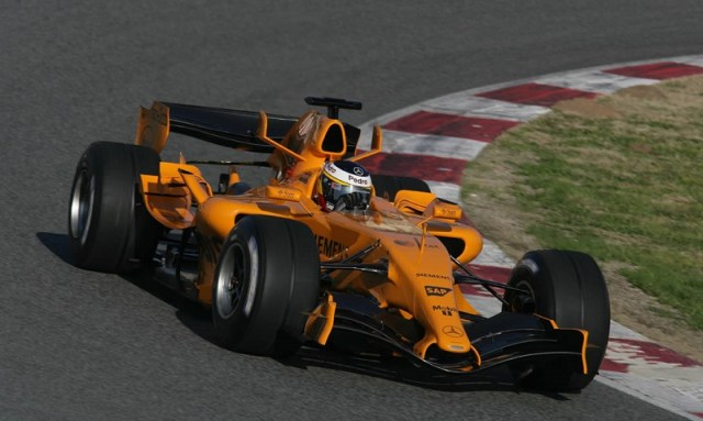 mclaren-mp4-21-pedro-de-la-rosa-orange