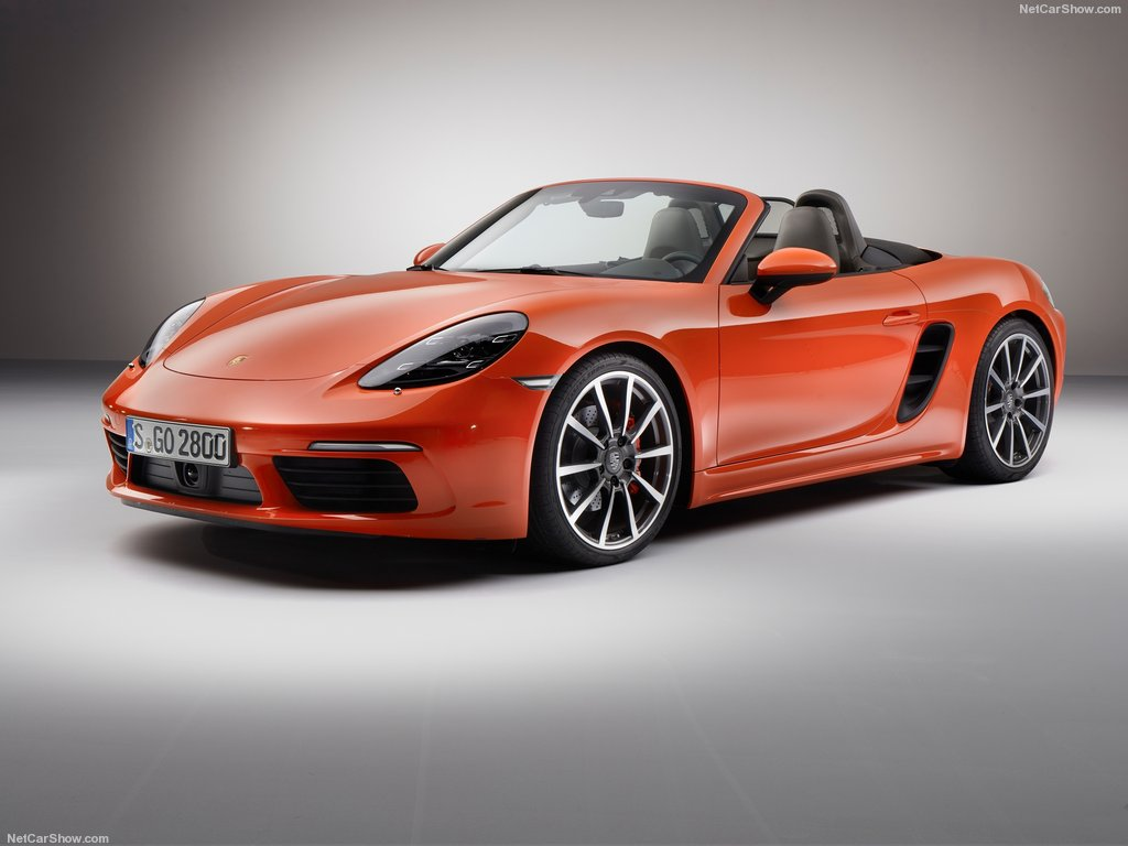 Porsche Boxster 718: il video