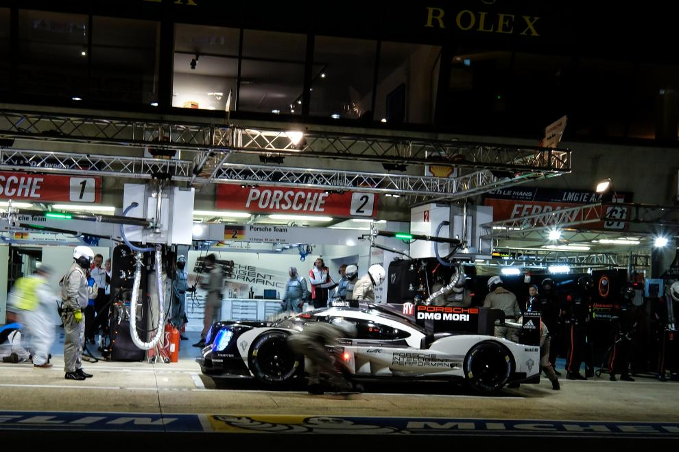 Ore di Le Mans: motori accesi