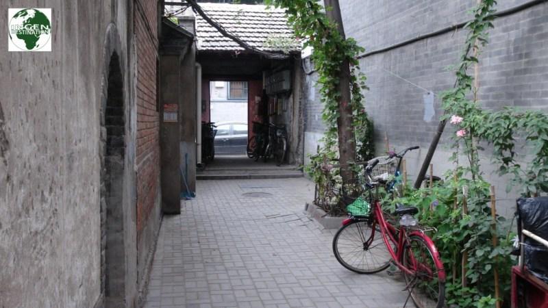 Små rolige og hyggelige gader, kun få minutters gang fra storbyens larm og smog!
