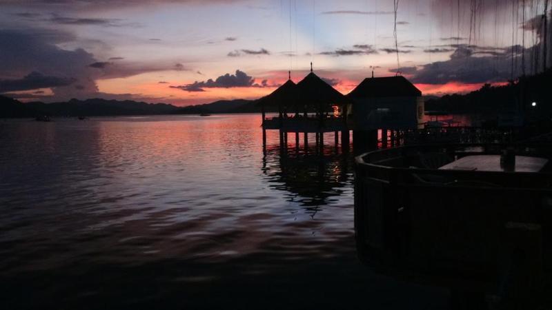 Solnedgang over Coron