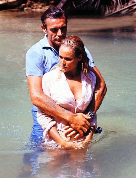 Sean-Connery-wearing-rolex-submariner-in-dr-no-with-Ursula-Andres